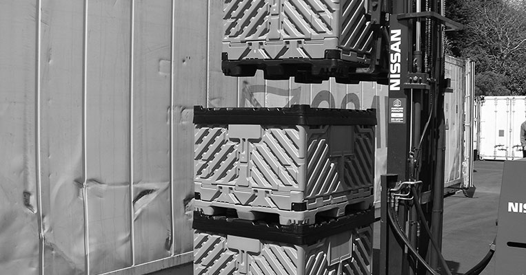 Collapsible Pallet Bin Stacking System